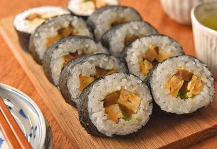 海苔巻き 寿司 Gimbap 韓国 捏造 コリエイト