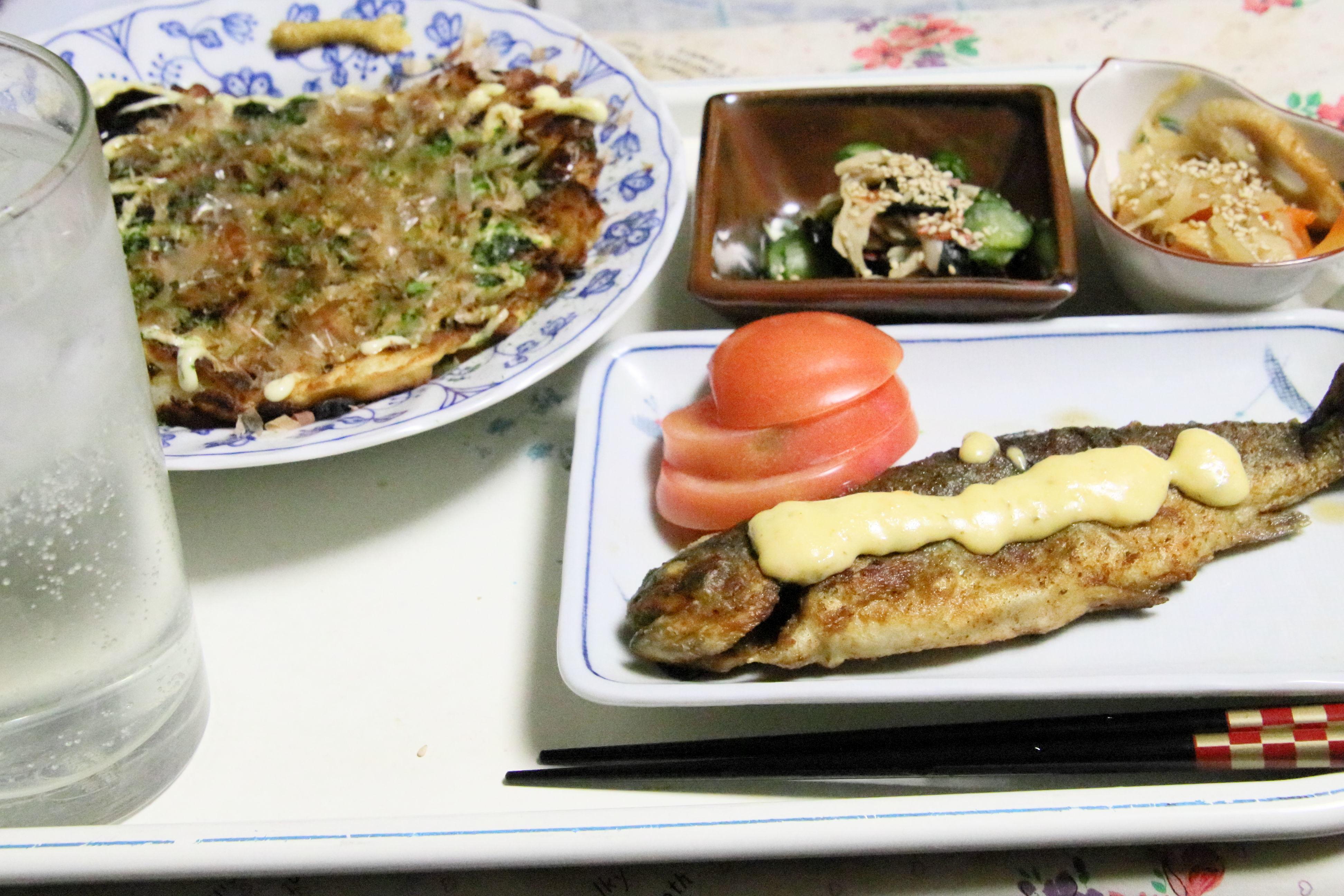 夕食  ますのムニェルとお好み焼き定食.JPG