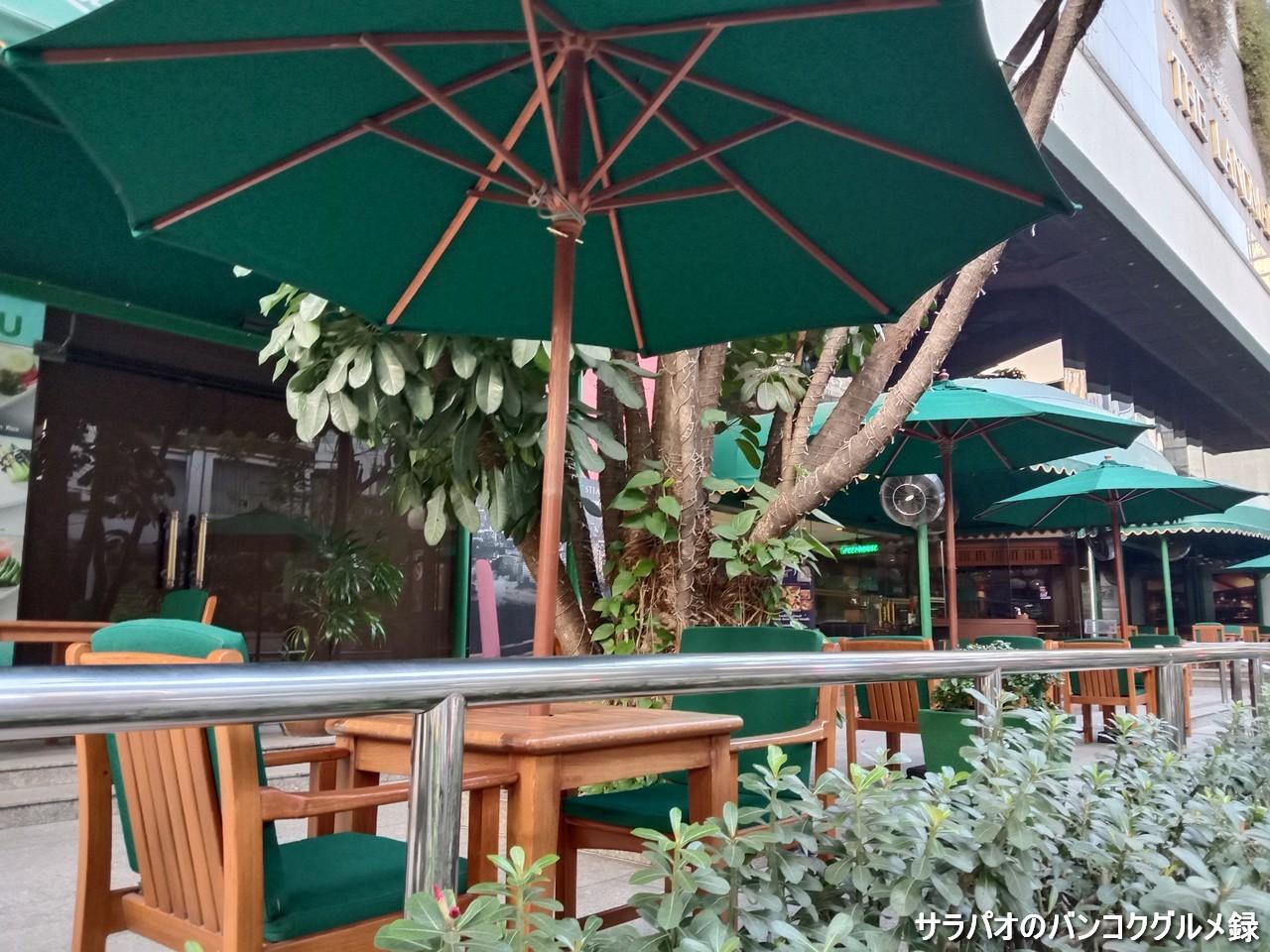 ザ・ランドマーク・テラスは広いテラスが特徴のカフェ in ナナ