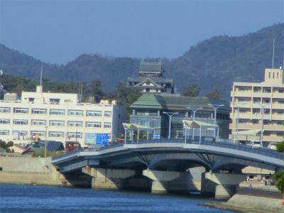 210115宍道湖畔から見た松江城