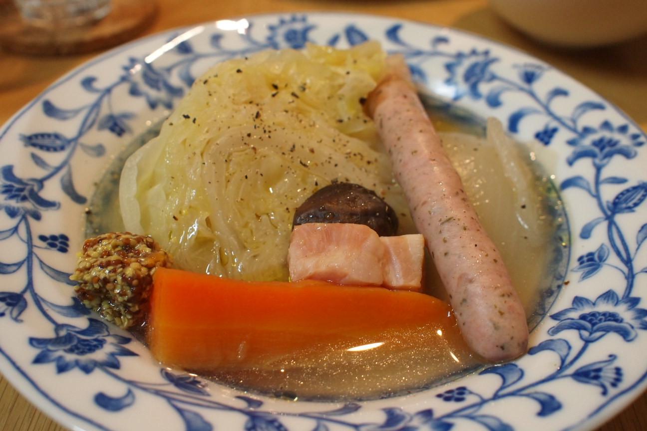 野菜とソーセージのスープ!