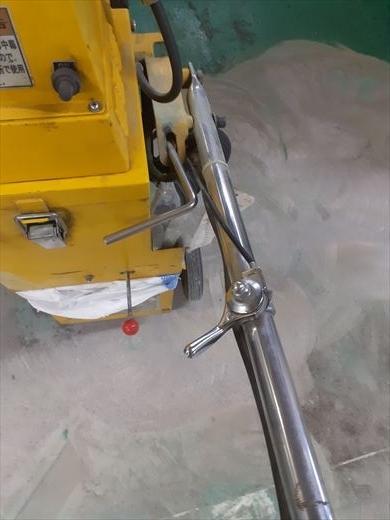エンジン式床研磨機 (1)