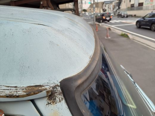 窓枠コーキング (3)