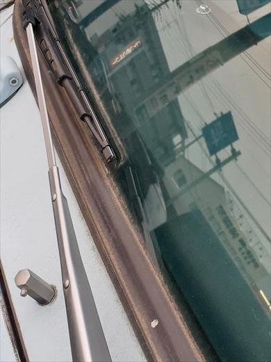 窓枠コーキング (5)