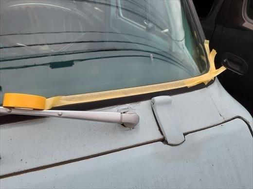 窓枠コーキング (15)