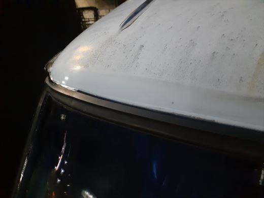 窓枠コーキング (30)