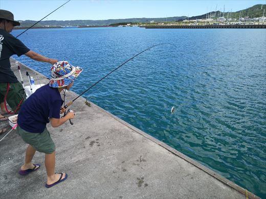 与那原マリーナで釣り (5)