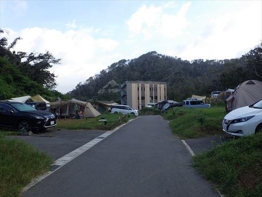 キャンプ翌日の磯遊び (1)