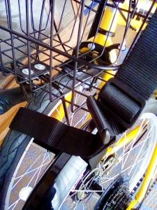 2つのタイヤを縛った状態