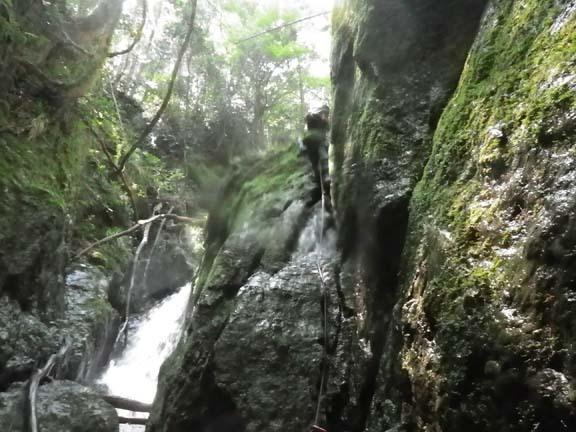 上山谷16