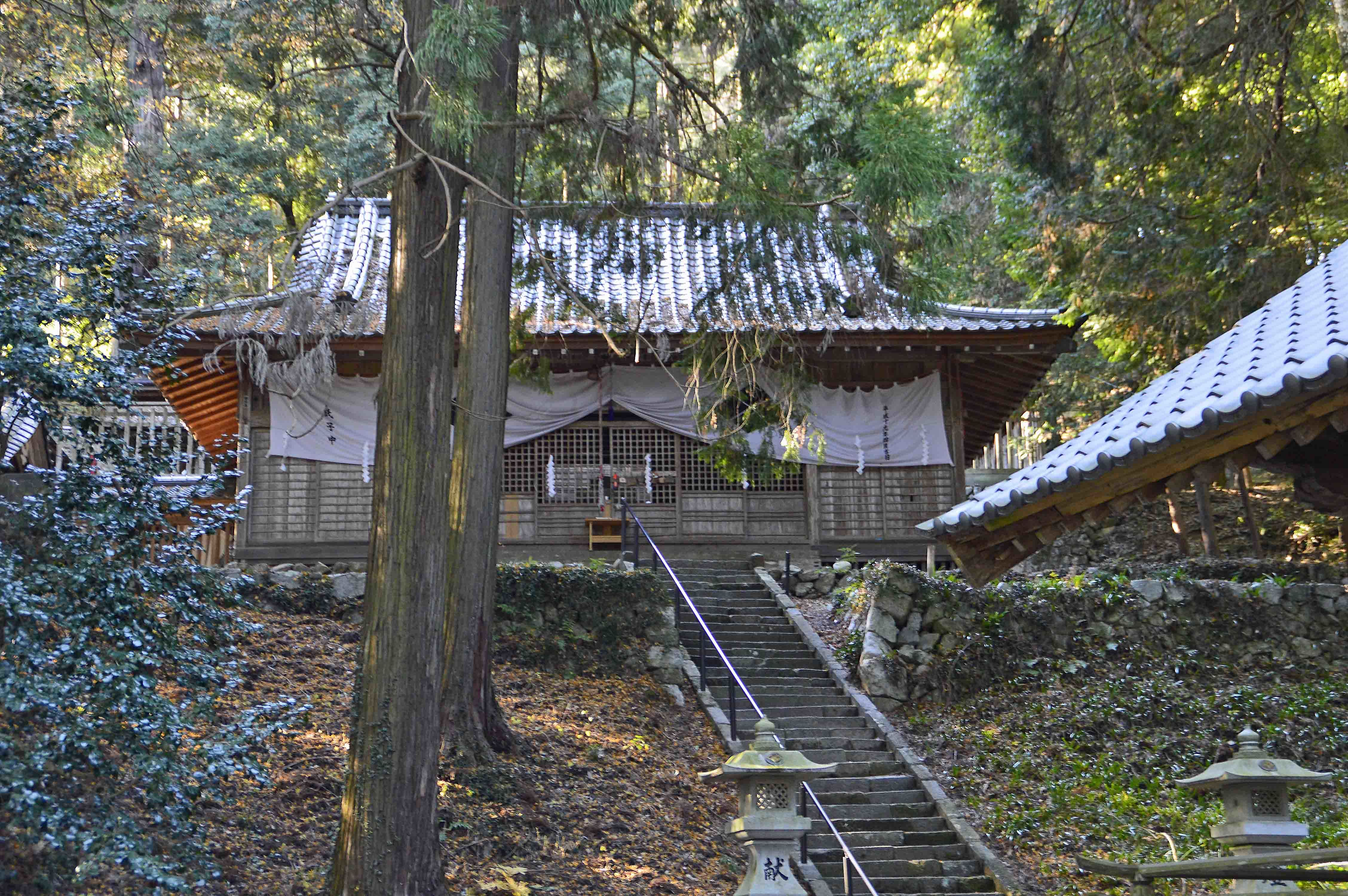 武田八幡神社拝殿